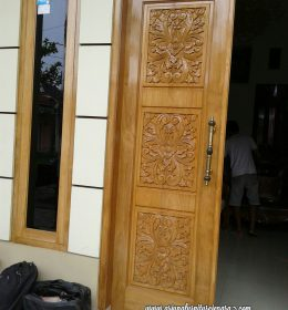 Gambar Model Pintu Rumah Ukiran