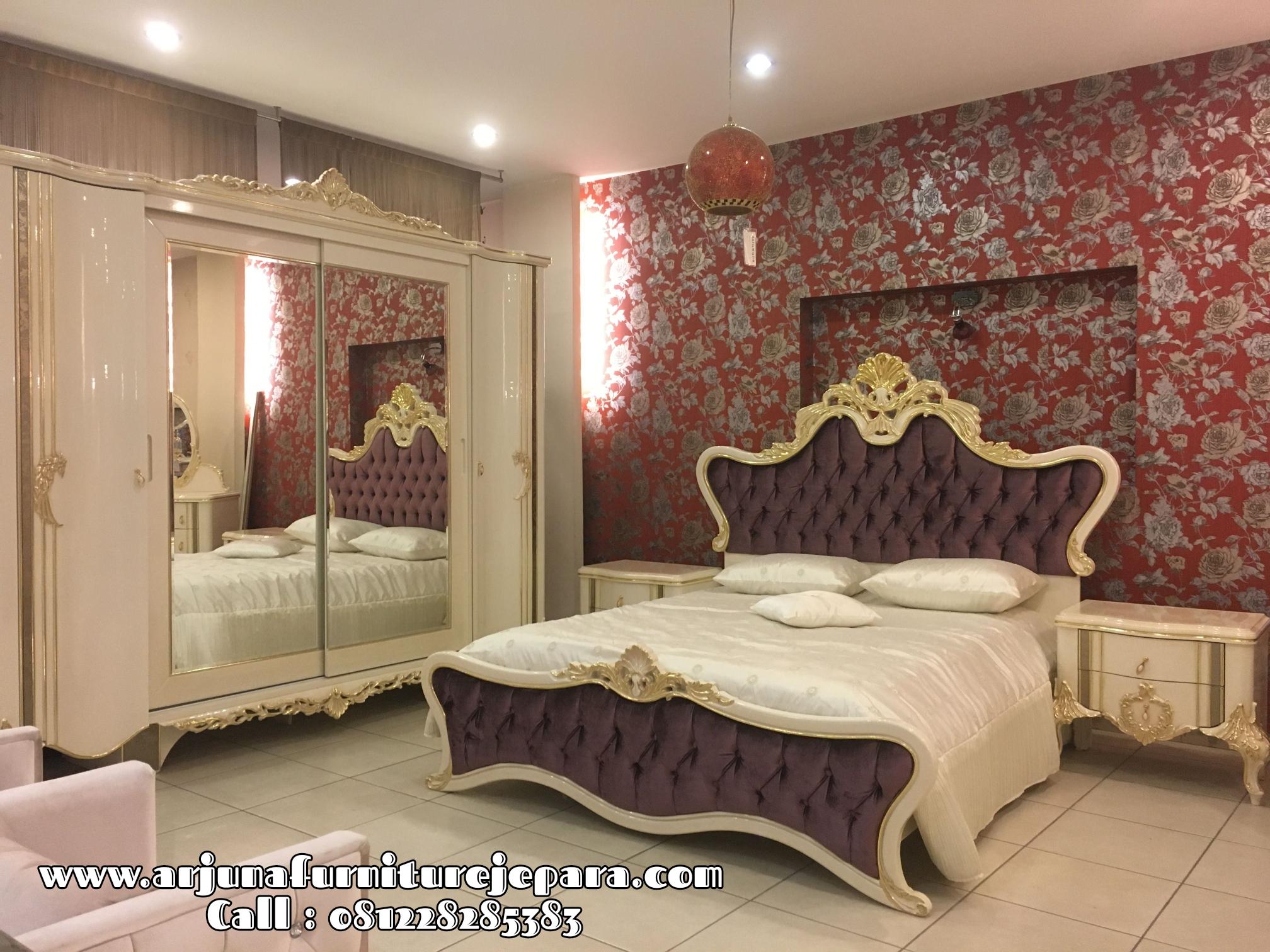 Desain Set Tempat Tidur Klasik Ukiran Mewah