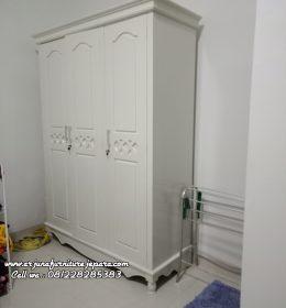 Harga Almari Pakaian Klasik Pintu 3 Lemari Pakaian Klasik Cat Duco, Almari Pakaian Klasik Pintu 3 Lemari Pakaian Klasik Cat Duco