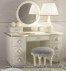 Meja Rias Classic Modern Furniture Jepara