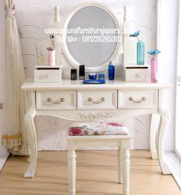 Meja Rias Classic Terbaru Furniture Jepara