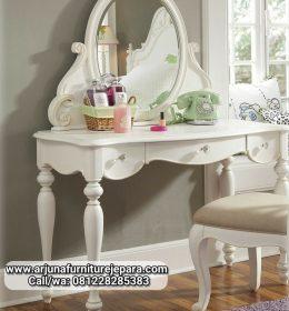 Model Meja Rias Classic Putih Duco Jepara Meja Make Up Klasik