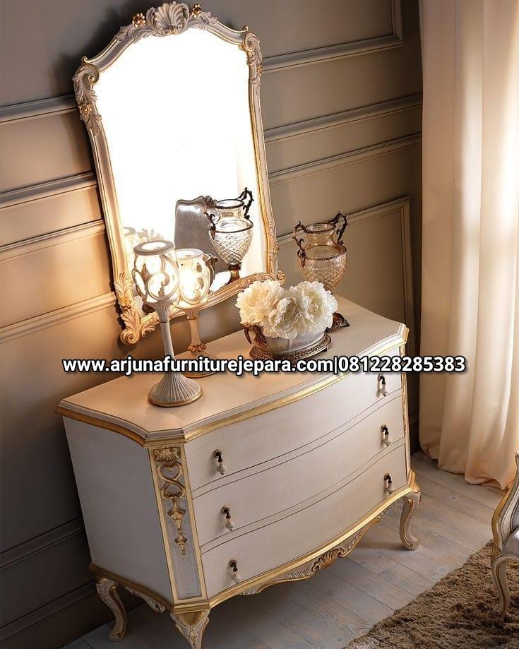 Model Meja Rias Classic Putih Mewah