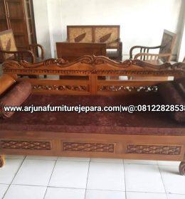 Desain Sofa Ruang Keluarga Kursi Santai Ukir Jepara